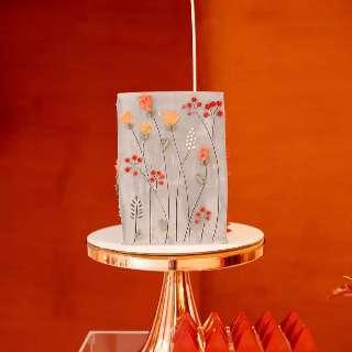 """Mistura entre """"rústico e sofisticado"""" traz fama ao bolo espatulado"""