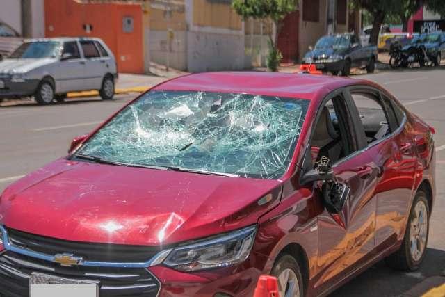 Três travestis são presas por detonar carro e espancar motorista