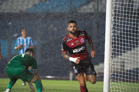 Com um a menos, Flamengo empata com o Racing na Argentina pela Libertadores
