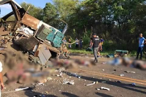 Sobe para 41 o número de mortos em acidente no interior de São Paulo