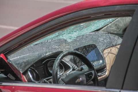 Motorista diz que foi espancado por travestis após negar aumentar som de carro