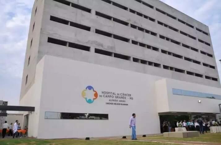 Hospital de Câncer Alfreldo Abhrão é referência no tratamento da doença em MS (Foto: Arquivo)