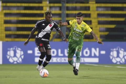 Vasco supera baixas e segura empate com Defensa y Justicia-ARG na Sul-Americana