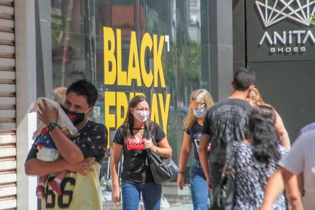 Reclamações na Black Friday crescem 45% nas primeiras horas do evento