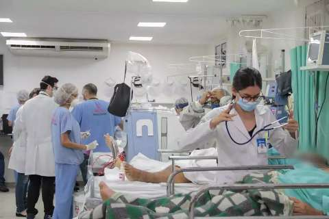 Aumento da covid põe outra vez em xeque condições de trabalhadores da saúde