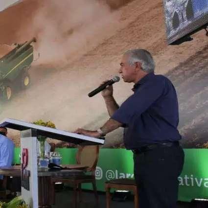 Reinaldo Azambuja inaugura indústria e entrega reforma de escola