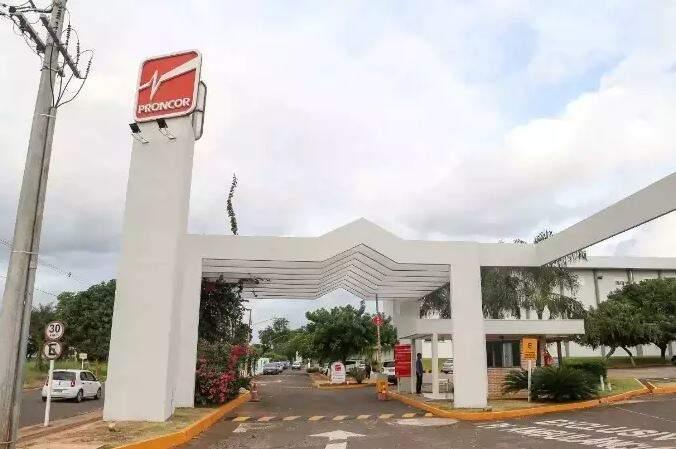 Entrada do Hospital Proncor em Campo Grande. (Foto: Paulo Francis)