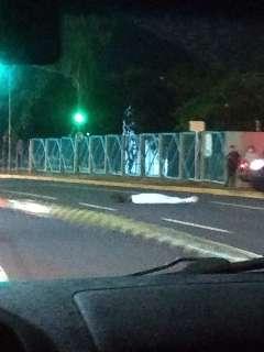 Homem morre atropelado ao tentar atravessar a Avenida Costa e Silva