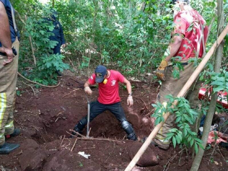 Local onde corpos foram encontrados em cova rasa, na semana passada (Foto: Arquivo)