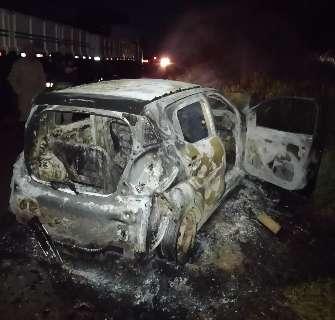 Ao desviar de árvore, motorista bate em caminhão e dois morrem na BR-158