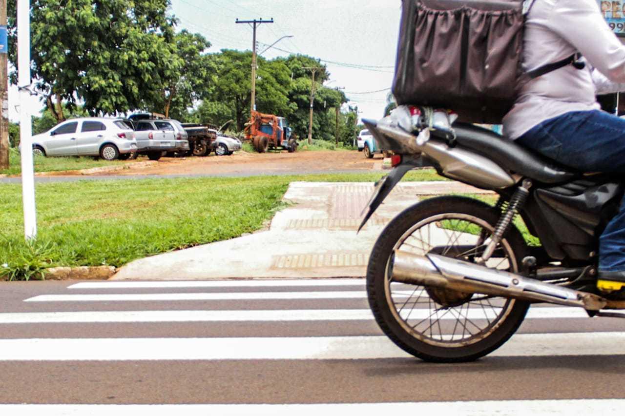 Faixa de pedestre foi pintada em trecho onde aconteceu acidente (Foto: Silas Lima)