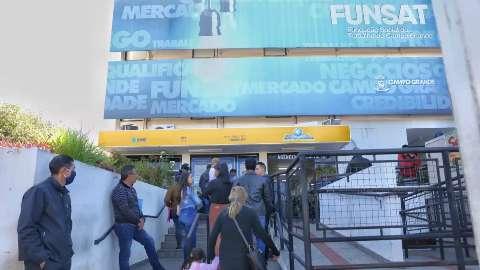 Dezembro começa com 272 vagas de emprego oferecidas pela Funsat