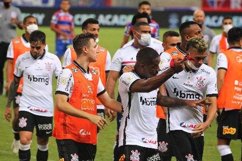 Fortaleza e Corinthians empatam e perdem chance de ascender na tabela