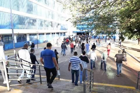 Governo suspende prazos de validade de todos concursos durante pandemia