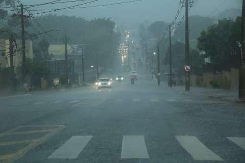 Oito bairros seguem sem energia após a chuva de ontem na Capital