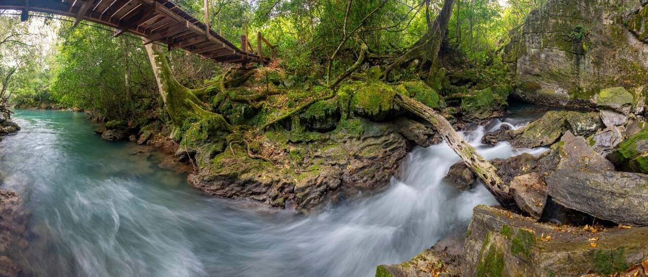 Ressurgência do Rio Perdido. (Foto: Hudson Garcia)