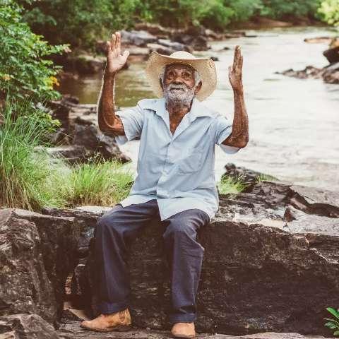 Em Corguinho, nada é mais fofo que o ensaio de seu Kelé aos 106 anos