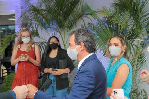 À espera da vacina, prefeito afasta lockdown e diz que não faltam leitos de UTI