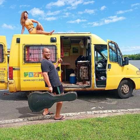 Casal de MS vive o sonho de viajar o Brasil levando a arte do forró