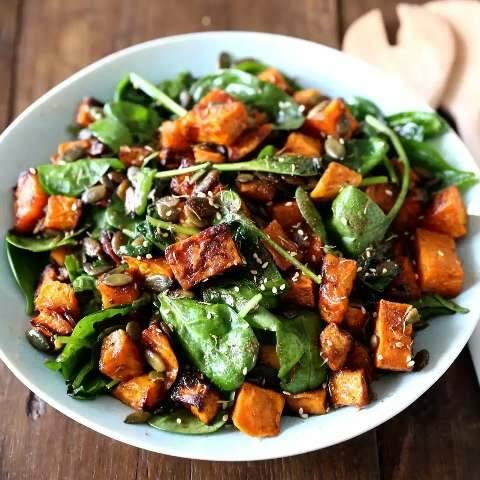 Opção saudável tem salada morna e até filé de peixe empanado com aveia