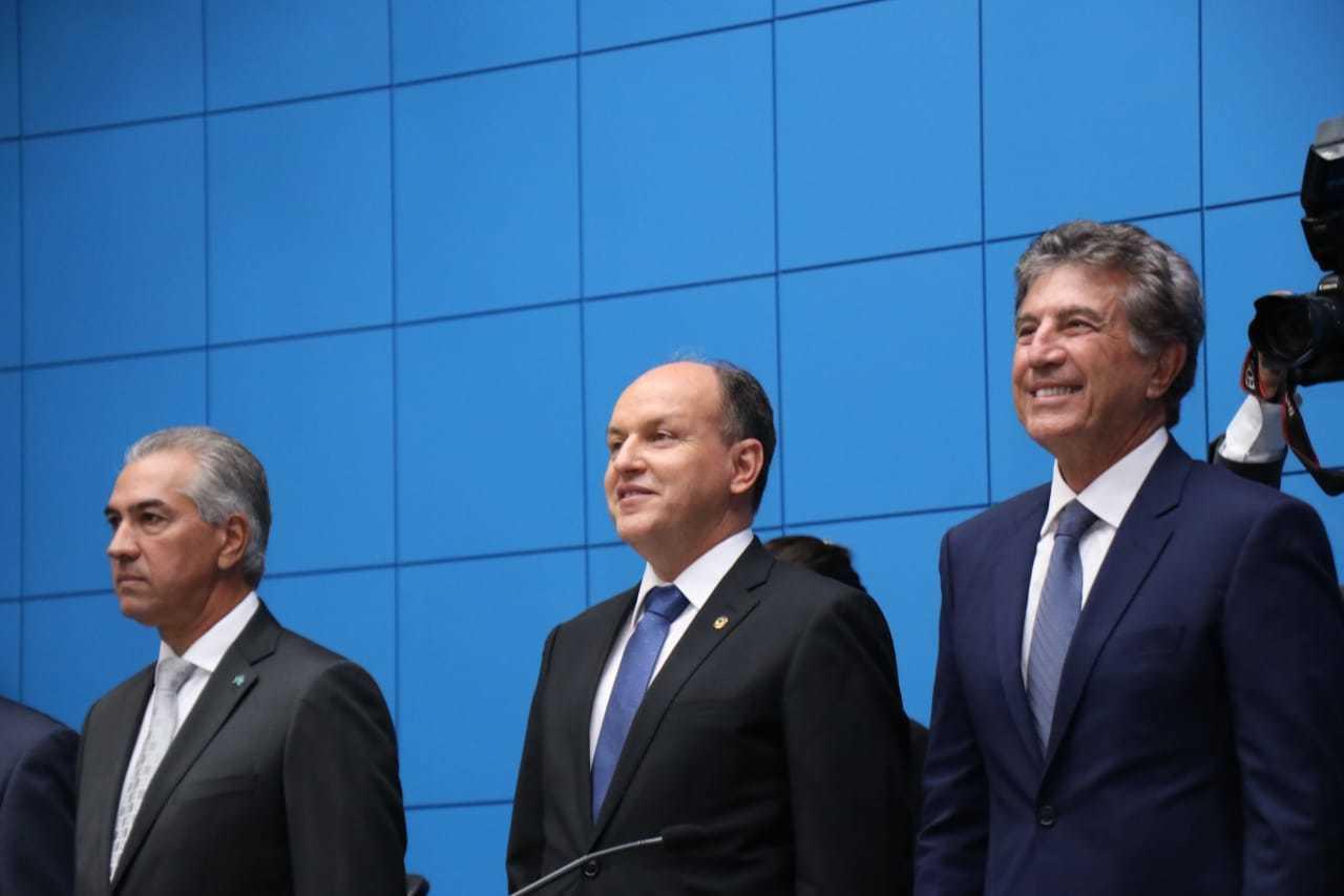 Reinaldo, Júnior Mochi (ao centro) e Murilho no dia da posse em janeiro de 2019. (Foto: Arquivo)