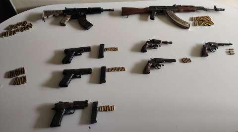 Bandidos do PCC usavam fuzis 7,62, pistolas 9 milímetros e revólveres 38