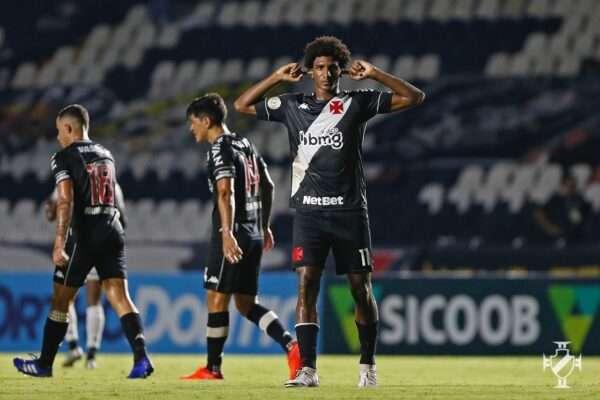 Vasco vence clássico, respira na briga contra o rebaixamento e afunda o Botafogo
