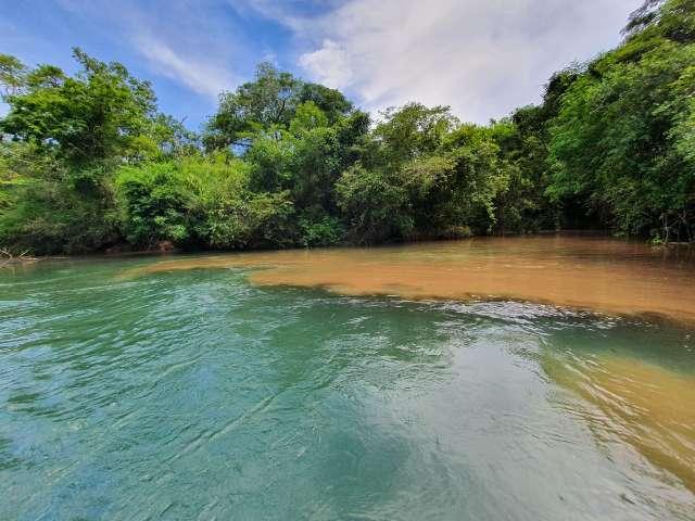 """Água turva: sujeira no Rio Verde tira """"porquê"""" do nome e ameaça o Prata"""