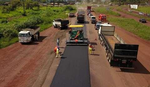 Governador lança pacote de R$ 376 milhões para pavimentação de estradas