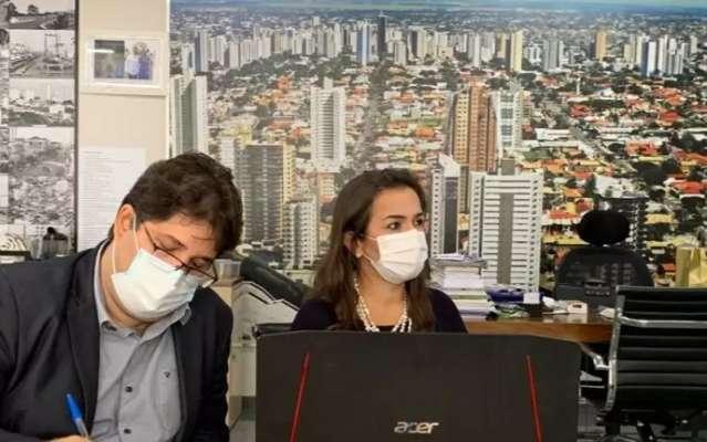 """""""Esperamos plano nacional até terça-feira"""", diz secretário sobre vacinação"""