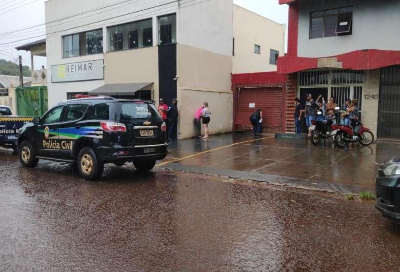 Polícia Civil está no local do acidente para verificar situação. (Foto: Osvaldo Duarte/Dourados News)