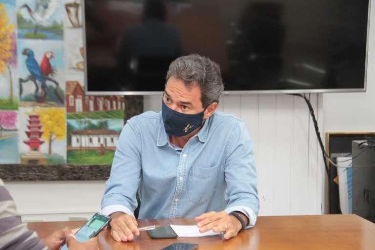"""Toque de recolher será mantido até """"população estar segura"""", diz Marquinhos"""