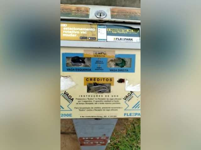 Estudande reclama de vandalismo no parquímetro da Avenida Calógeras