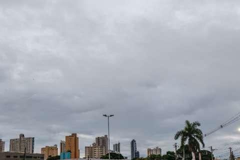 Segunda-feira amanhece com céu nublado e Inmet prevê mais chuva em MS
