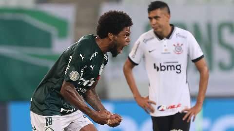 Jogando em casa, Palmeiras goleia o Corinthians por 4 a 0