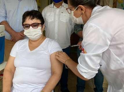 No município que foi 1º epicentro da covid em MS, vacina é sinônimo de liberdade