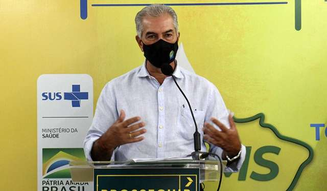 Sem previsão de ter mais vacina, Reinaldo pede cuidados redobrados