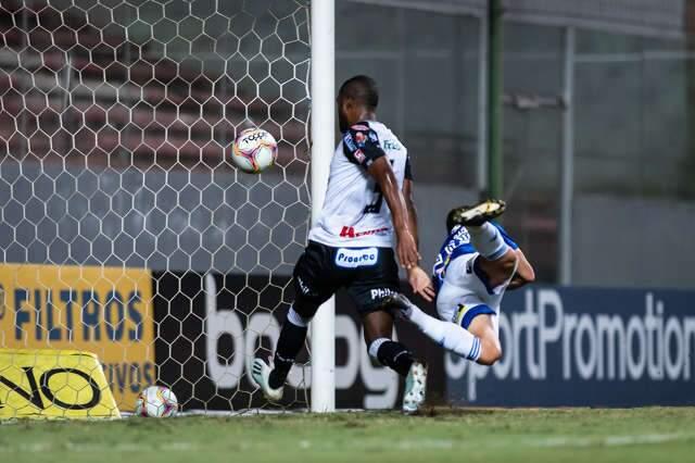 Cruzeiro vence Operário-PR e garante permanência na Série B no ano do centenário