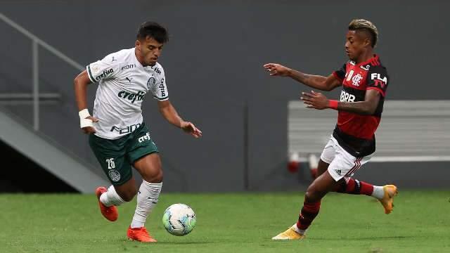 Palmeiras vacila e perde de 2 a 0 para o Flamengo