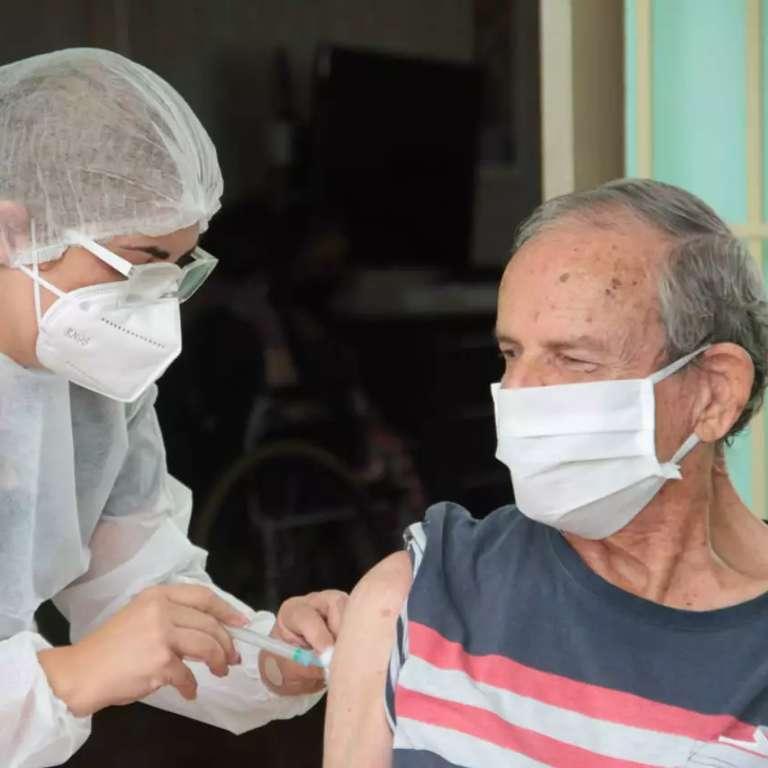 José espera que vacina traga filho da Austrália, que não vê há 11 meses