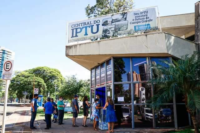 Entre leitores, 49% dizem que não conseguem pagar IPTU em dia