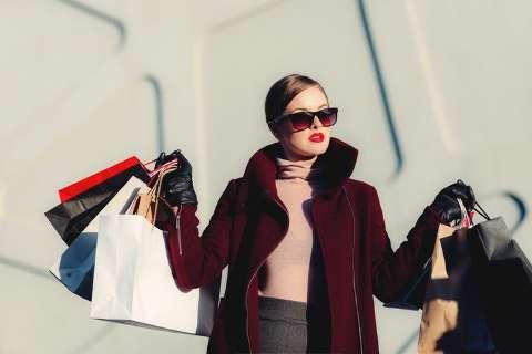 Comprar roupa nova perdeu total sentido na pandemia, dizem leitores