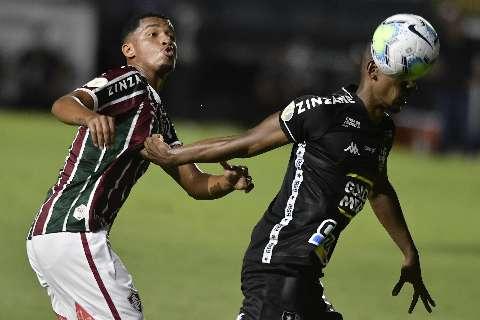 Fluminense vence o Botafogo por 2 a 0 e se aproxima do G6