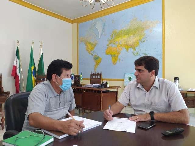 Até secretário de Saúde fura fila da vacina em Mato Grosso do Sul