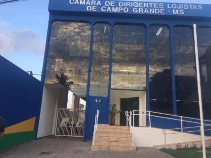 CDL terá de pagar R$ 8 mil por formatura feita na calçada