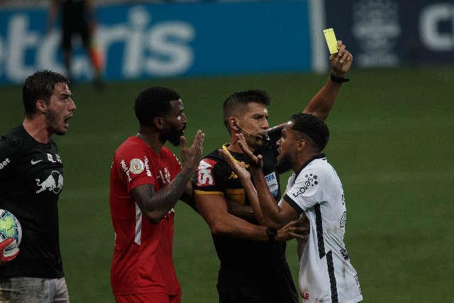 Corinthians perde do Bragantino e não cumpre plano por vaga na Libertadores