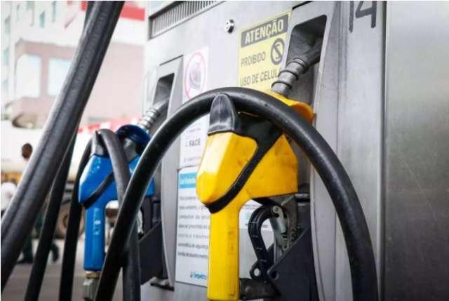 Petrobras reajusta gasolina e diesel em 5% a partir desta quarta-feira