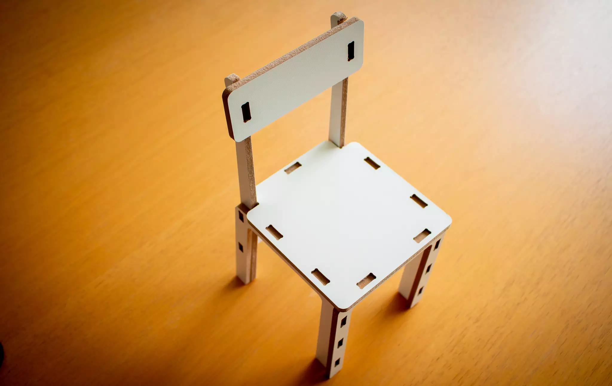 Aqui, cadeira finalizada e de pé (Foto: Arquivo Pessoal)