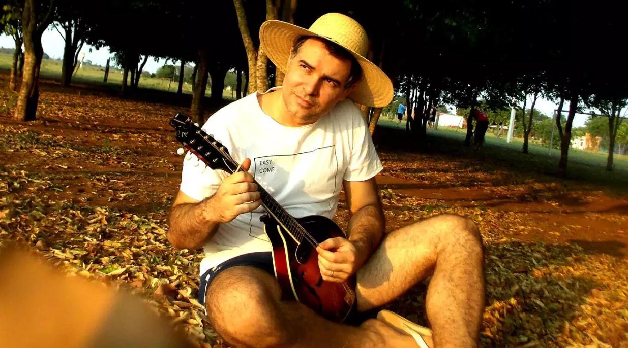 """Volmir lança sua """"carreira"""" musical no gênero folk com canção de estreia (Foto: Arquivo Pessoal)"""
