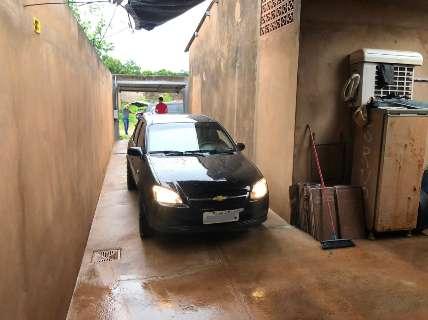 Polícia prende casal que furtou R$ 100 mil de pet shop na Afonso Pena